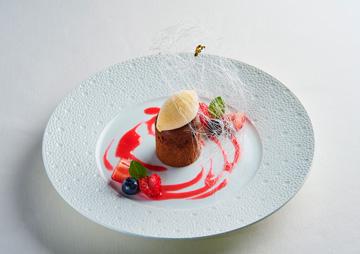 ムッシュ坂井宏行のエスプリが生きる、気品と滋味あふれる料理